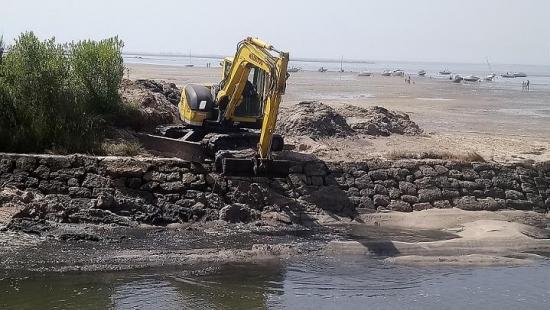 20200710 dragage banc de sable entree port